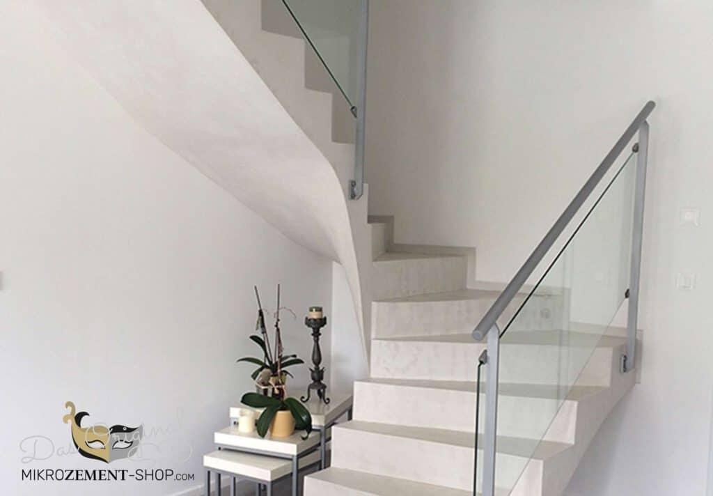 Mikrozement Treppen Stufen in weiß