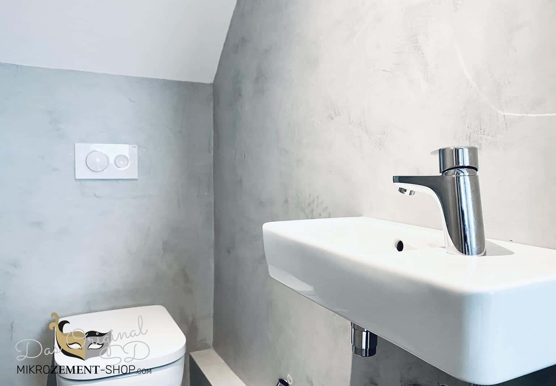 Microzement im kleinen Badezimmer WC